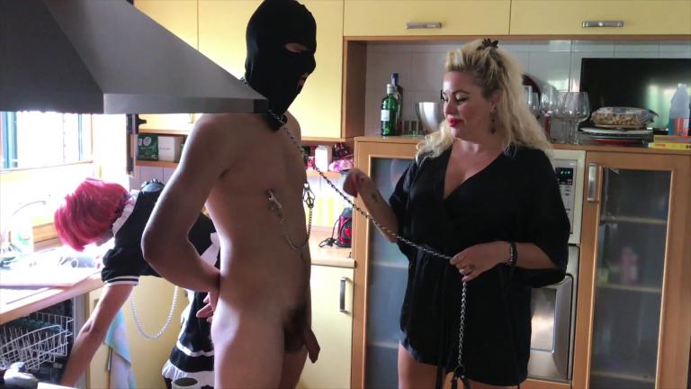 irish slave and my maid (1)